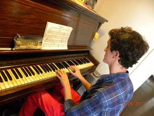 clases de piano clásico y popular en floresta y a domicilio