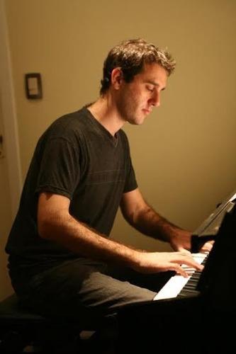 clases de piano en villa del parque. profesor gastón demián.