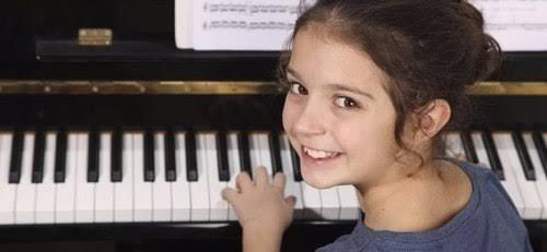 clases de piano, guitarra, bajo, bateria, flauta dulce,canto