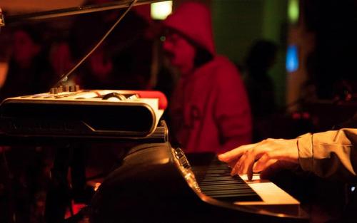 clases de piano / teclado a domicilio en caballito