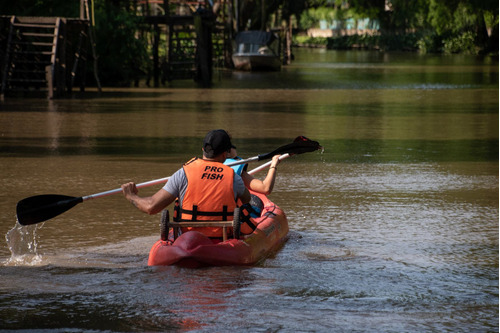 clases de remo / kayak / sup en tigre delta adultos y niños