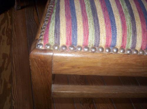 clases de restauración de muebles, enmarcados y tapicería.
