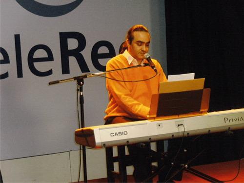 clases online de canto - piano  . (juntos o por separado)