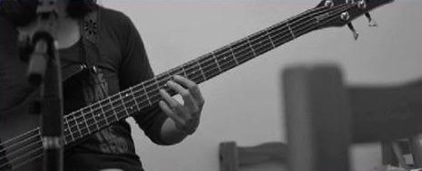 clases online de guitarra, bajo, canto, piano.