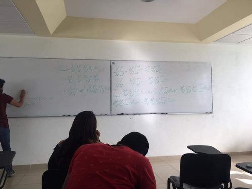 clases particulares de física y matemáticas.