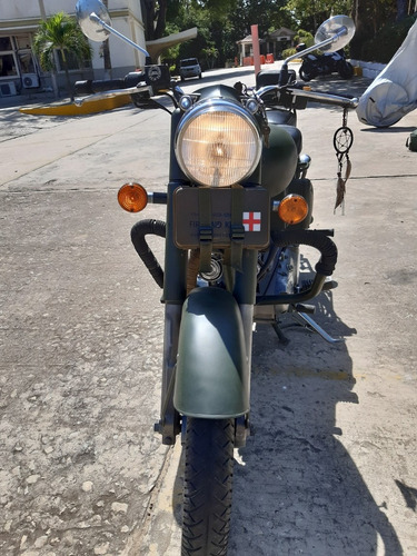 classic battle green royal enfield
