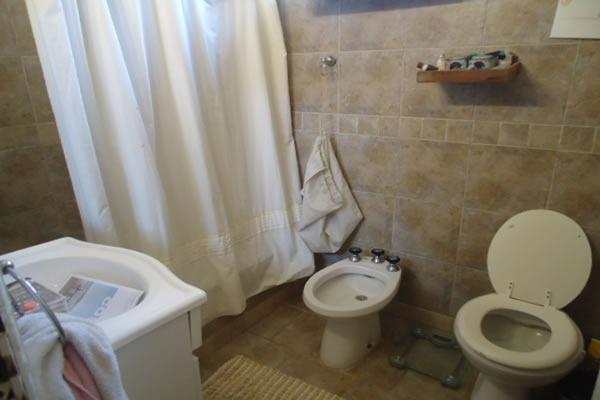 claudiñho chalet  zona centro 5 ambientes con garaje 3 baños