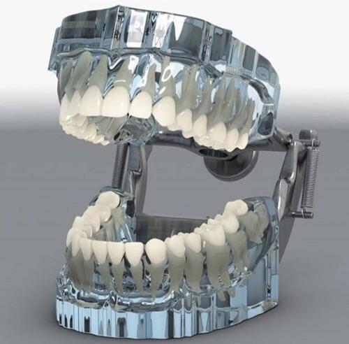 clínica odontológica solicita camioneta para contrato labora