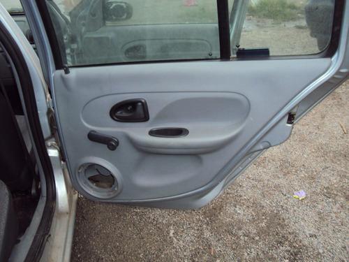 clio 06 flex sucata tampa lateral frente traseira porta roda