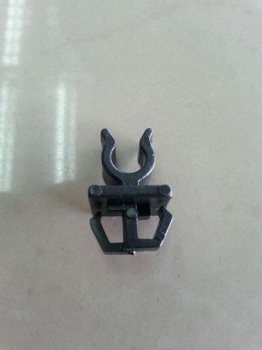 clip gancho soporte porta varilla capota chrysler neon 97-99