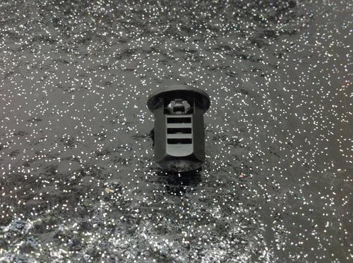 clip sujetador alfombra toyota 90467-05145