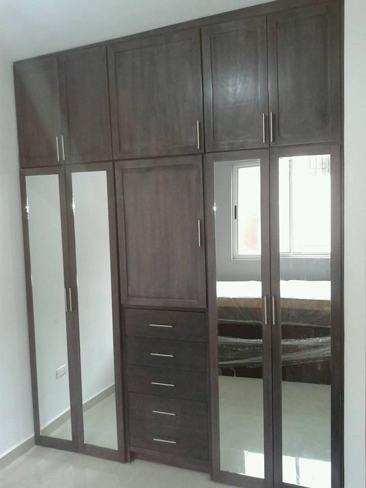 Closet completo con puertas de espejo ancho de - Puertas de espejo ...