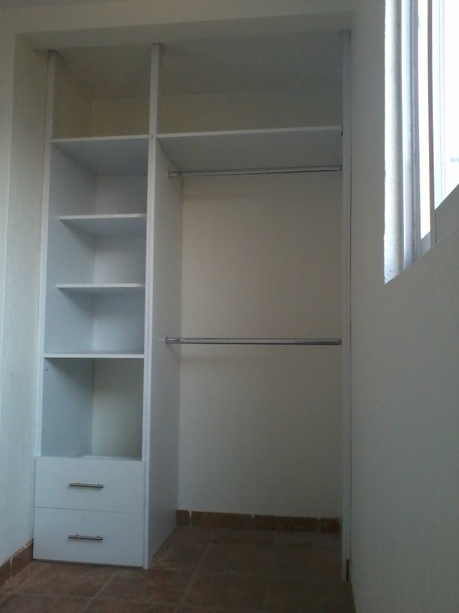closet baratos vestidores de estilo industrial por birgit