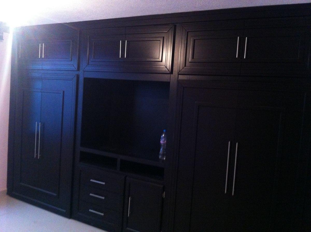 Closet sobre medida hasta de largo x alt for Closet con espacio para tv