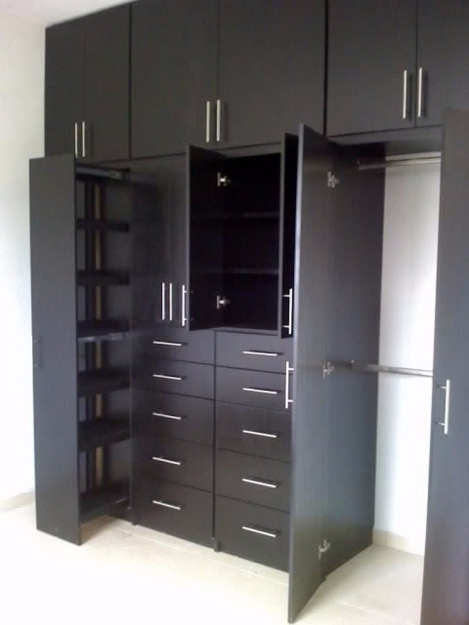 Closets cocinas puertas vestidores todo sobre dise o for Disenos de zapateras para closet