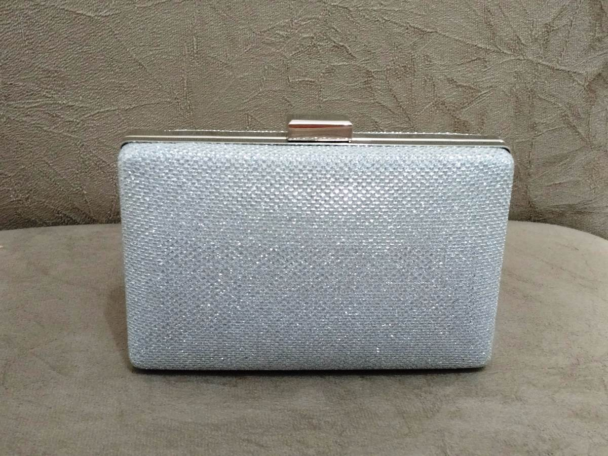 605954df4 clutch prata/bolsa de festa prata/ festa/casamento/p entrega. Carregando  zoom.