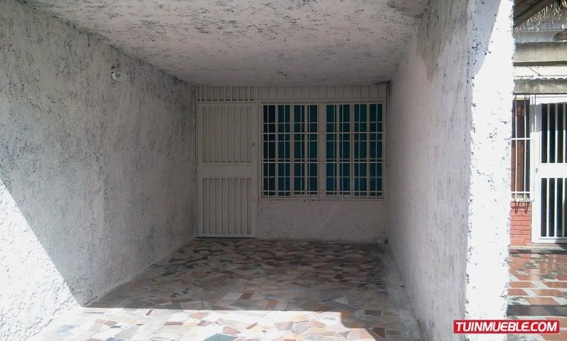 cm  #19-4835  casa en venta guatire castillejo