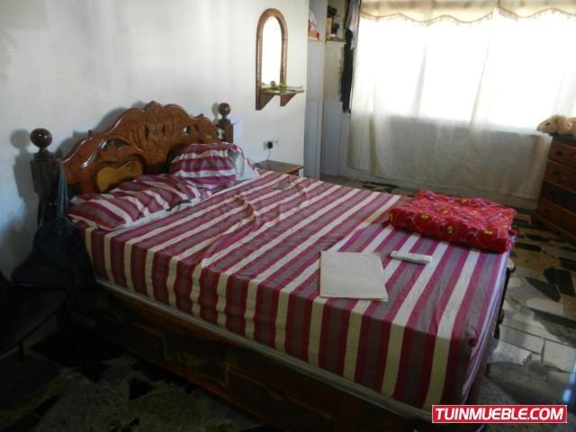 cm casa en venta 19-5184 villas miravila castillejo, guatire