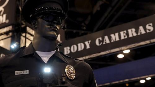 câmera acoplada ao corpo policial gajaeh15