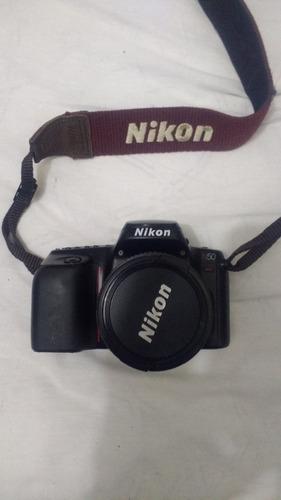 câmera analógica nikon n50 e lente 28-80mm