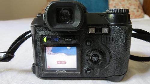câmera digital semi profissional fujifilm finepix s5000 22x