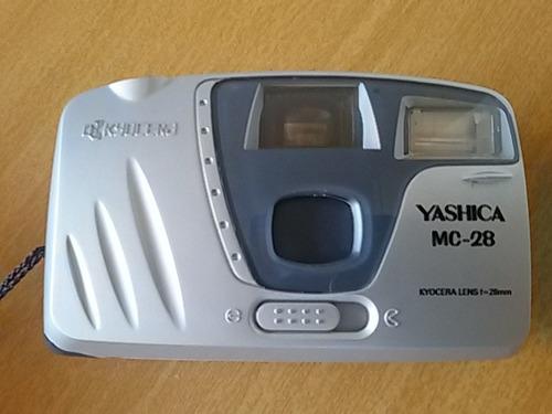 câmera fotográfica yashica antiga. 28mm. colecionador.