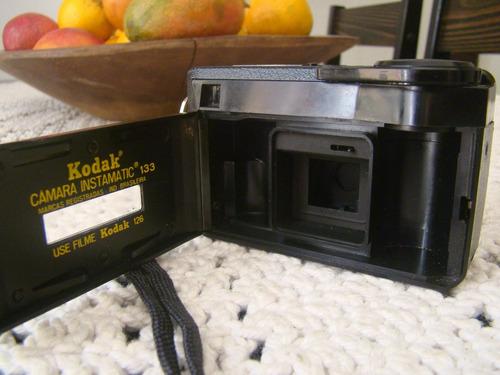 câmera kodak instamatic 133 com manual de  instruções