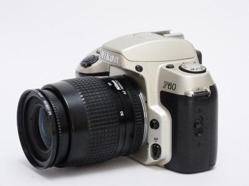 câmera nikon f60 com lente 35/80  funcionando perfeitamente