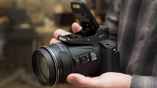 câmera nikon p900 16mp 83x+bolsa+64gb c/10+tripé+kit limpeza