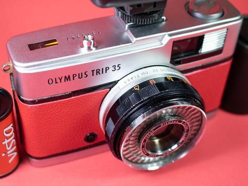 câmera  revisada olympus trip 35  + flash + filme