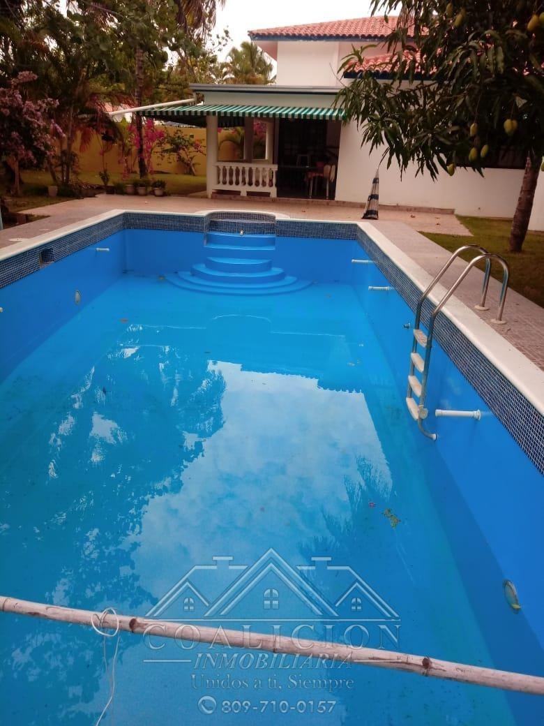 coalición vende casa amueblada en sosua con piscina-