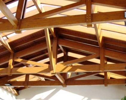 cobertas em madeira de lei