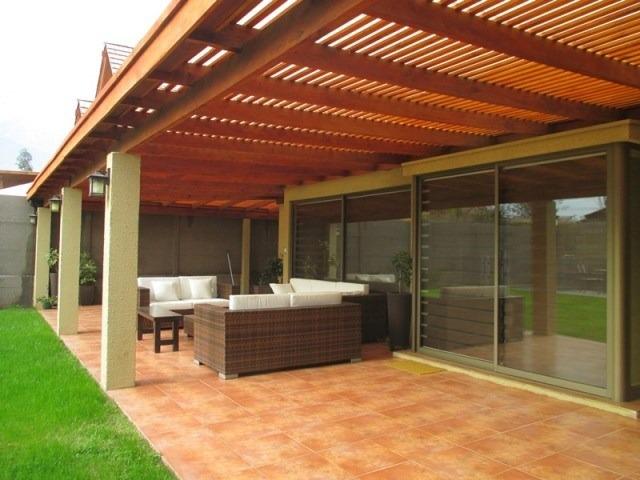 Cobertizos en roble para todas la temporadas for Cobertizo de jardin moderno barato