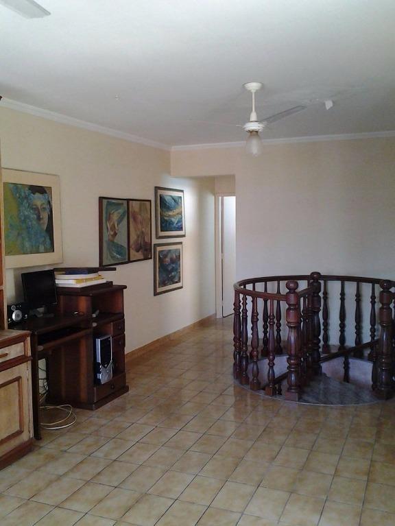 cobertura à venda, com 200 m², na quadra da praia - co0022