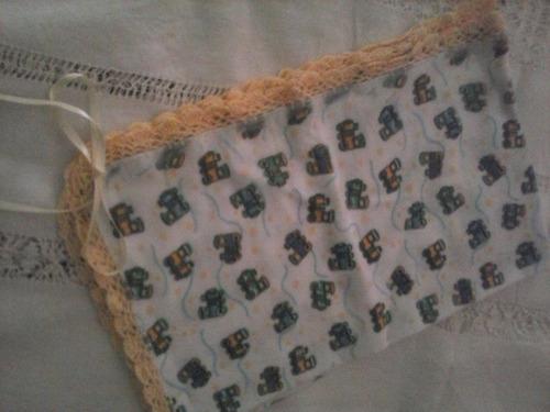 cobijas antialergicas con bordes tejidos y cintas para bebes