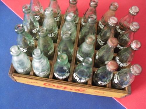 coca cola, caja reja madera, con 24 botellas