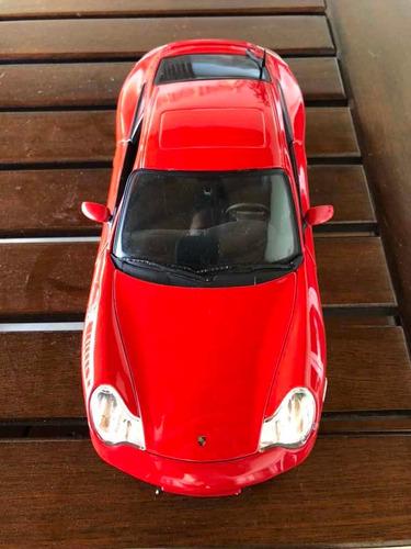 coche porsche 911 carrera gt4 a escala 1/18 marca maisto...