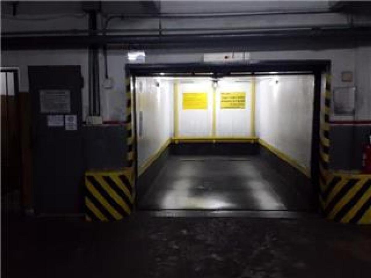 cochera 1er piso ascensor, 24 hs con operador