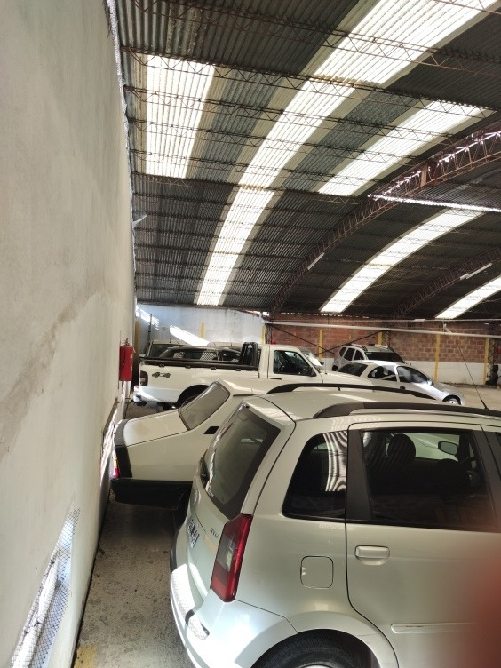 cochera 20 autos fijos / 40 moviles c/tinglado
