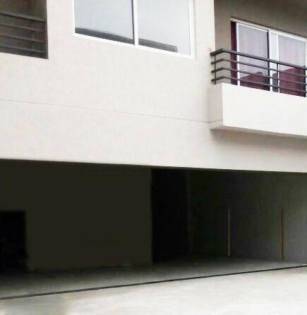 cochera cubierta en planta baja