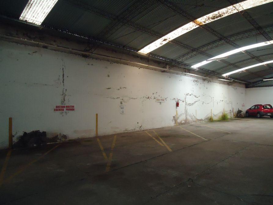 cochera cubierta en zona centrica
