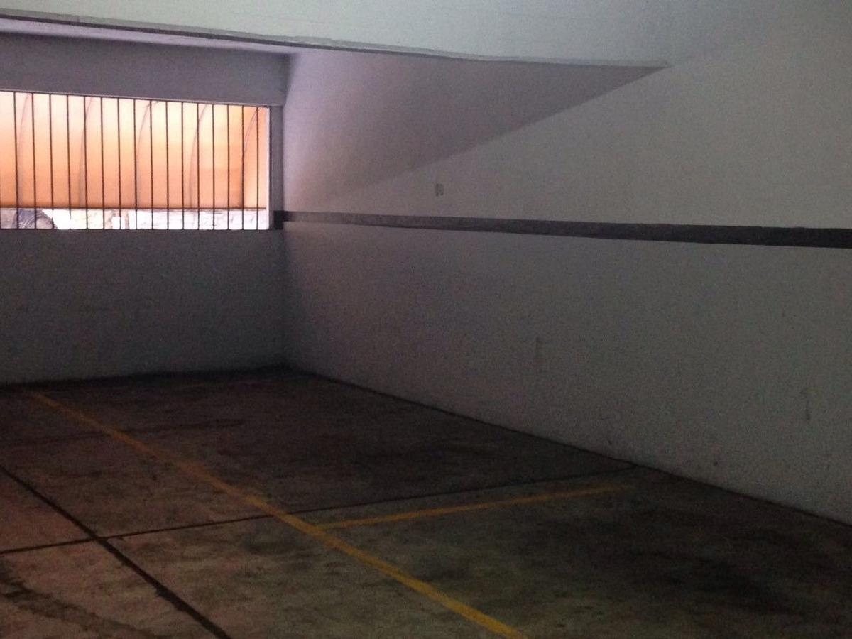cochera cubierta fija, acceso x rampa. seguridad 24 hs