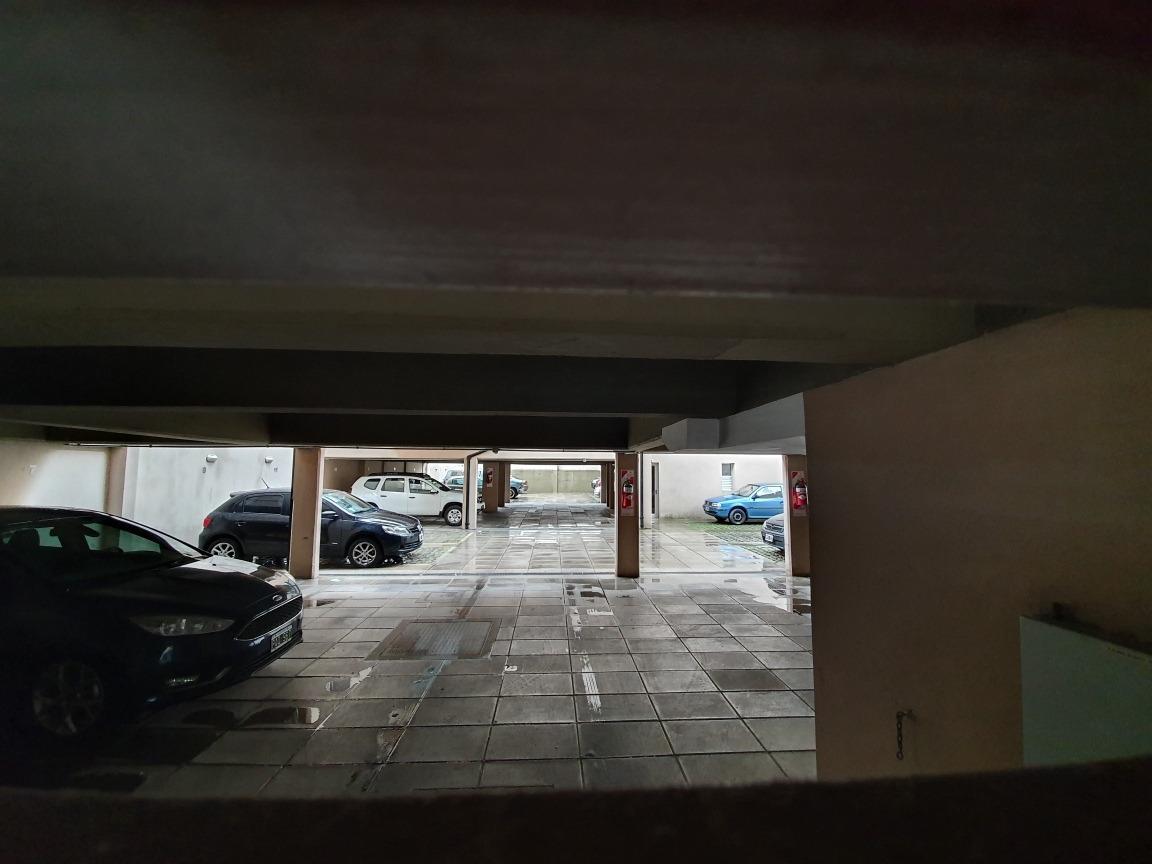 cochera descubierta con portón automático - dueño directo
