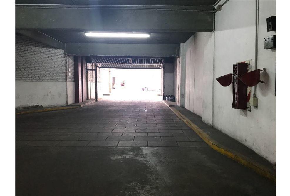 cochera en planta baja 11,24 m2