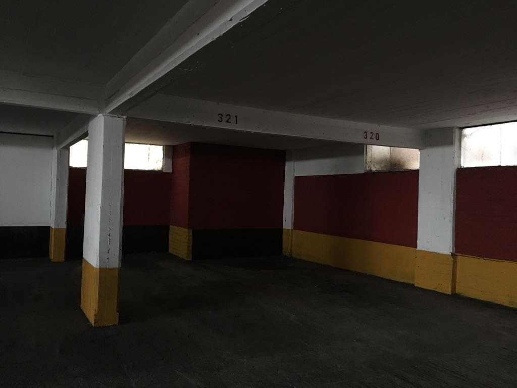 """cochera fija (3er piso) - centro - cochera """"bocinas"""""""