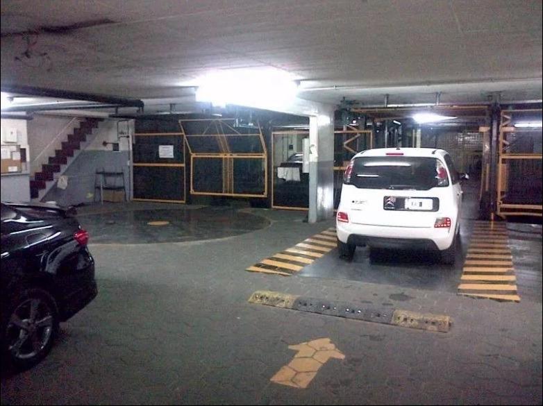 cochera fija con acceso individual por ascensor