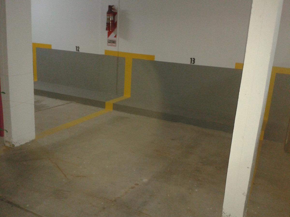 cochera fija cubierta c/ portón automatizado en pb