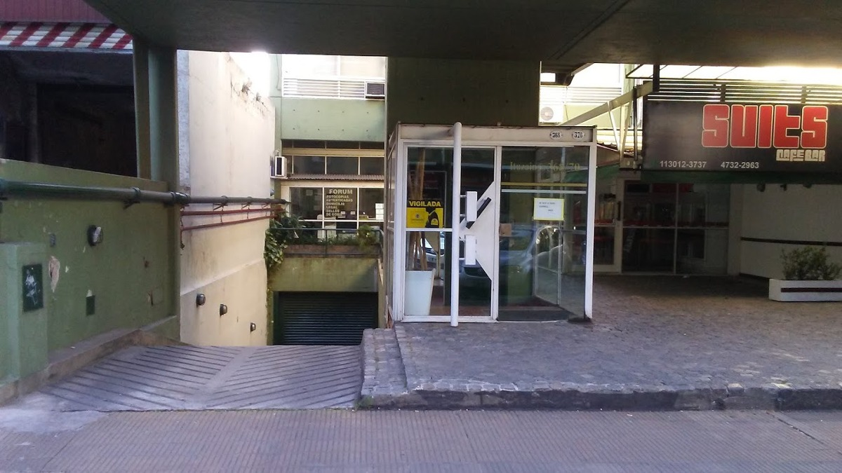 cochera fija cubierta centro de san isidro ¡oportunidad!