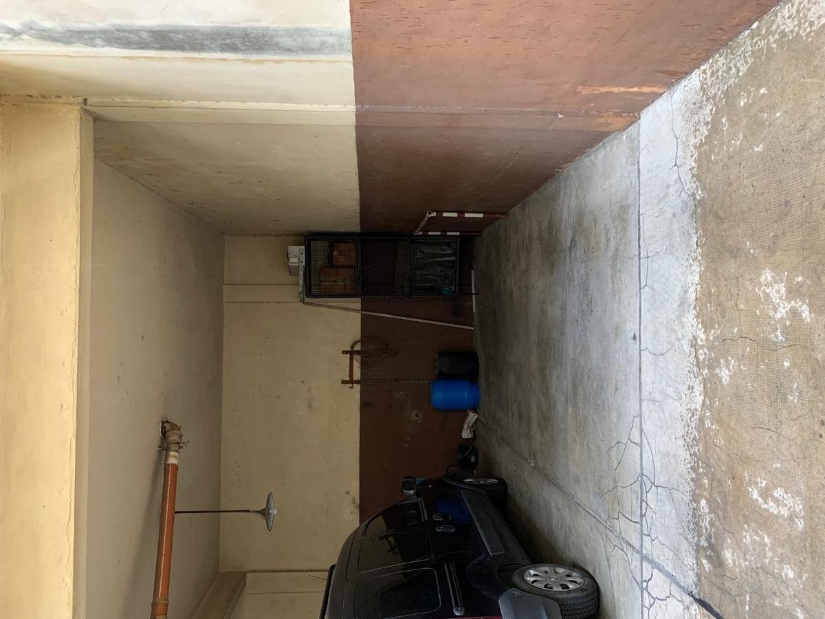 cochera fija, cubierta, grande, facil acceso, balvanera