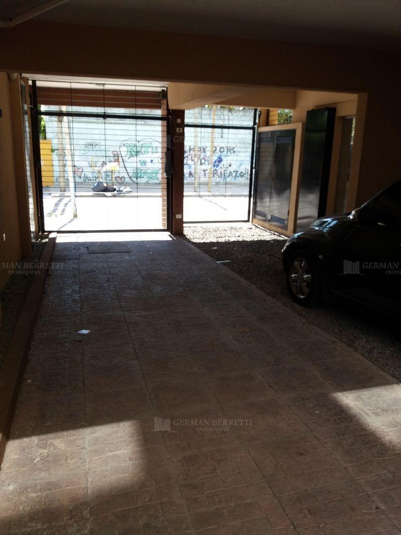 cochera fija  en alquiler ubicado en avellaneda, zona sur